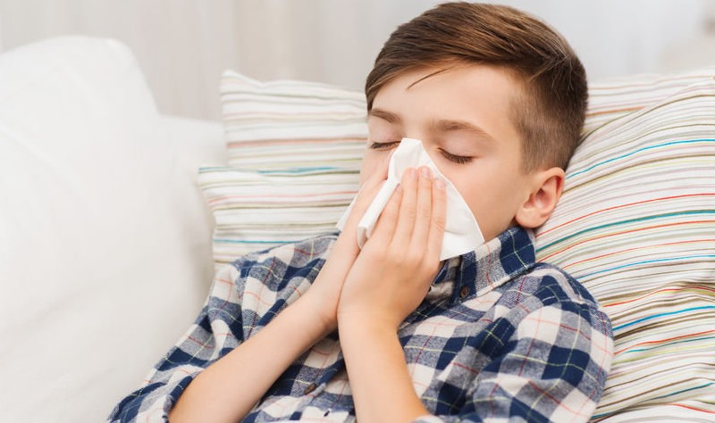 A Kid is suffering from allergy